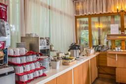 corvin-hotel-budapest-gasztronomia-reggelizo.jpg